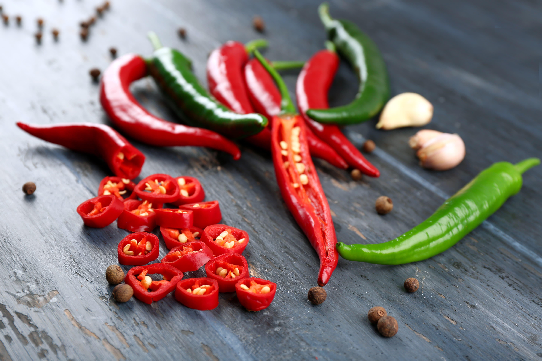 Les aliments épicés, comme les piments, peuvent affecter la digestion.